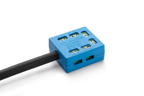 LED splitter - distributor: up to 6 LED lighting bars connected to ONE mains adapter